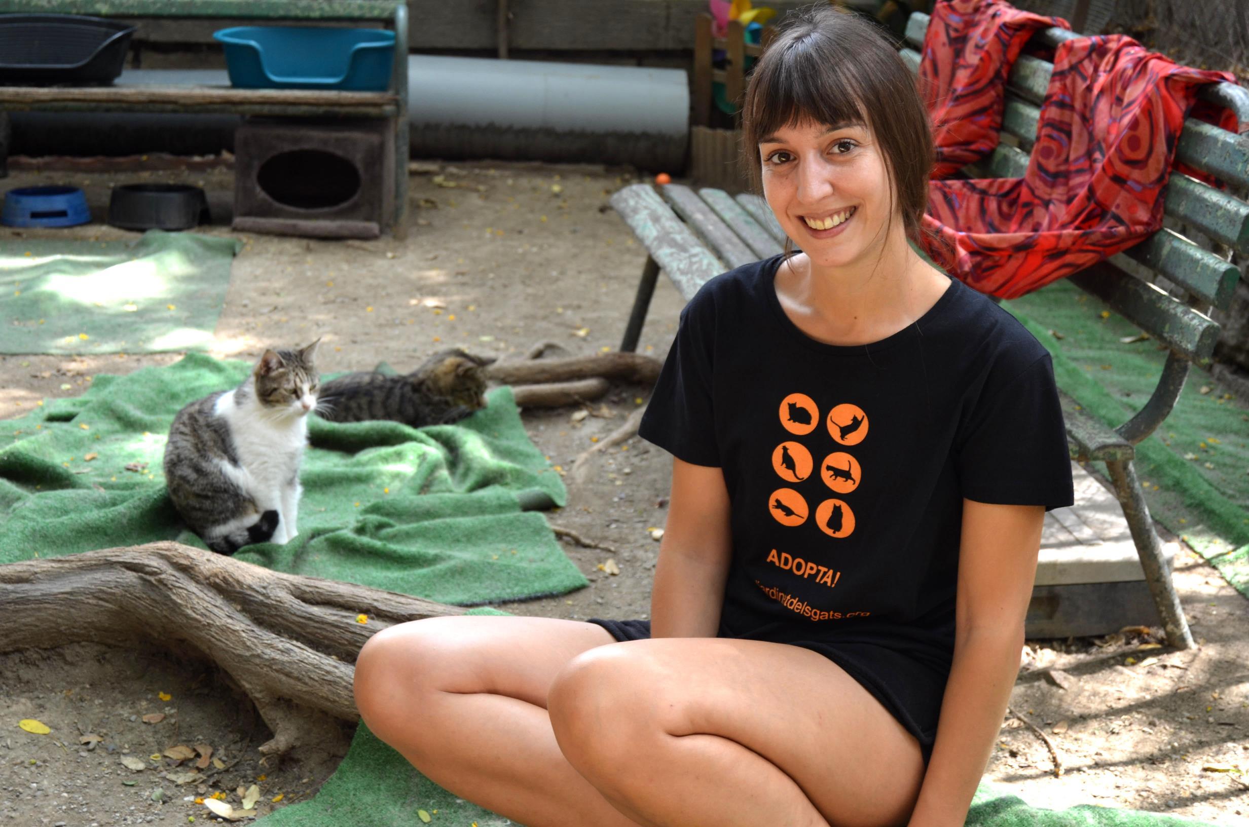 Samarreta adopta, sis logos del Jardinet Image